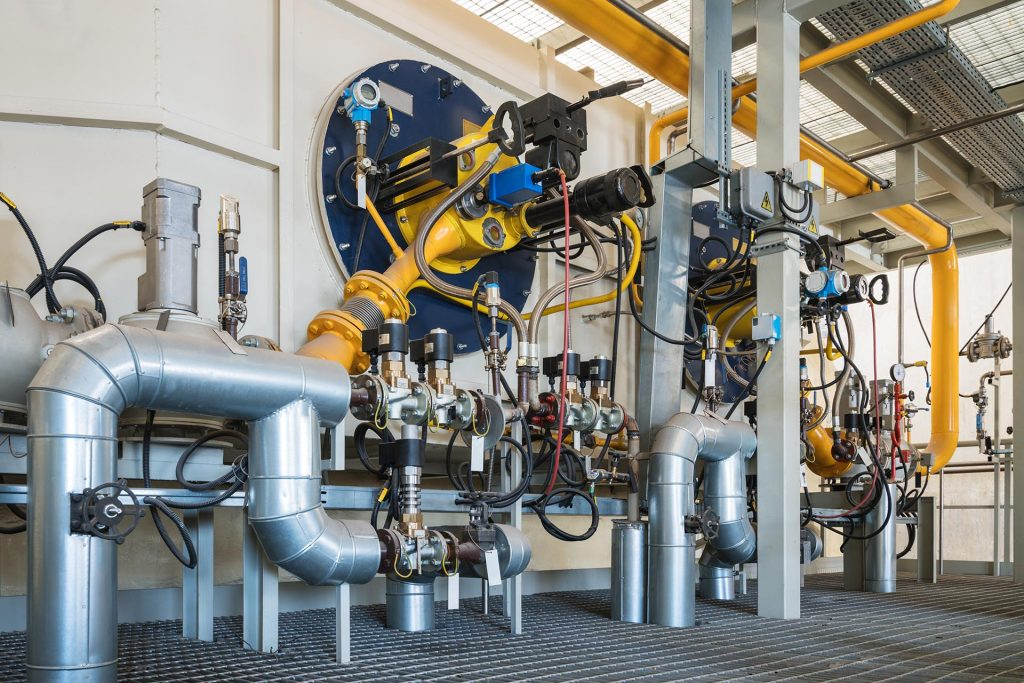 High power gas boiler burners in a cogeneration station